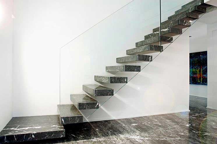 Schwarzer granit eine wiederentdeckung in einrichtung und design marmi rossi s p a - Marmo per scale ...